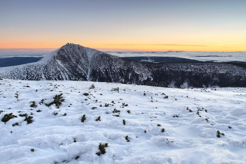 Snezka en montañas gigantes foto de archivo