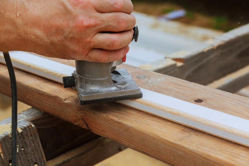 Snickare mald wood överhandelkraftrouter royaltyfri foto