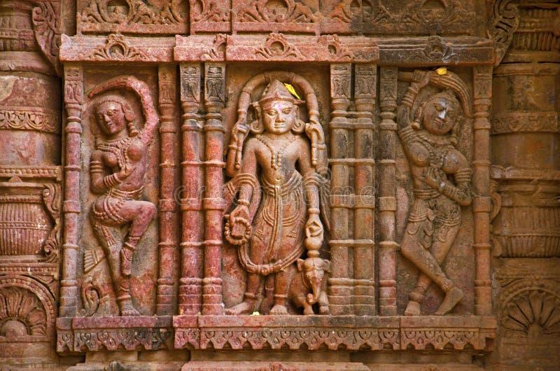 Sniden förebild på den yttre väggen, Hatkeshwar Mahadev, 17th århundradetempel, familjguden av Nagar brahman Vadnagar arkivfoto