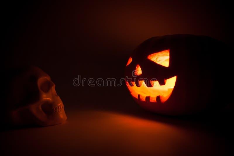 Download Sniden halloween pumpa fotografering för bildbyråer. Bild av ilskna - 78728501