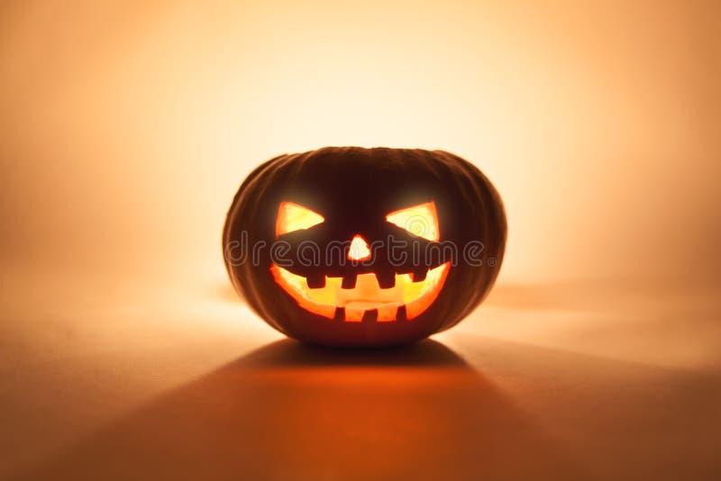 Download Sniden halloween pumpa arkivfoto. Bild av halloween, garnering - 78730428