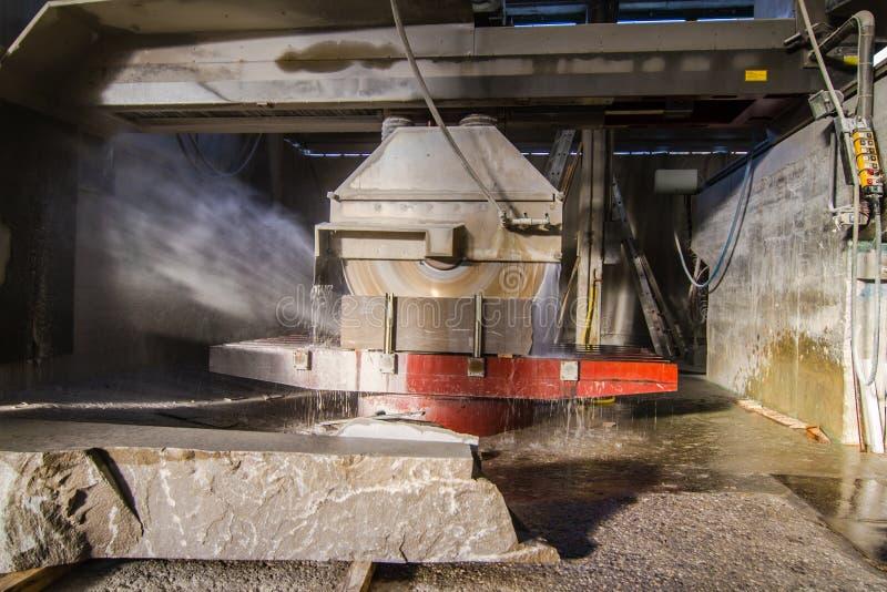 Snijd industrieel steen royalty-vrije stock afbeelding