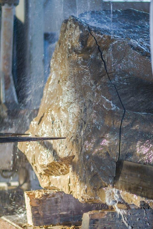 Snijd industrieel steen stock foto