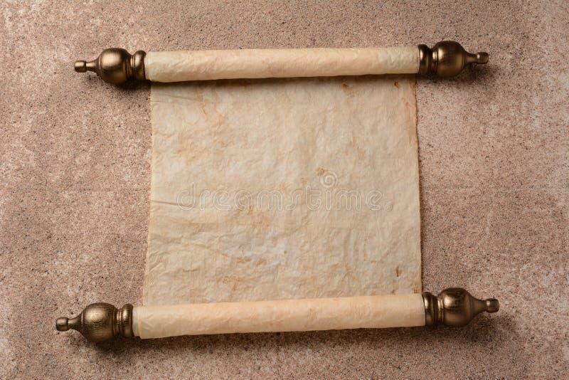 Snirkel på sand täckt golv arkivfoton