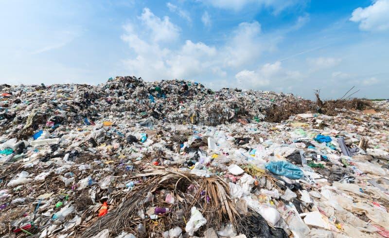 Snoei Buri, THAILAND - Augustus 27, 2016: De grote stortplaats in stad royalty-vrije stock fotografie