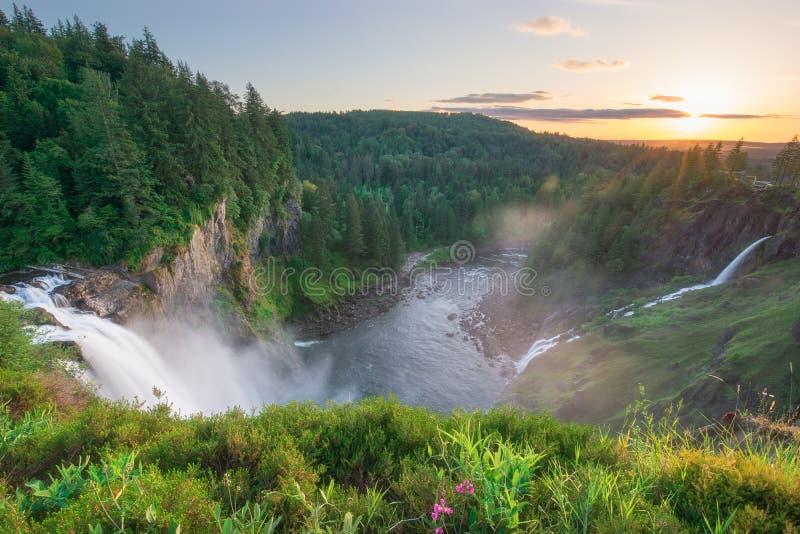 Snoqualmie nedgångar i Washington State fotografering för bildbyråer