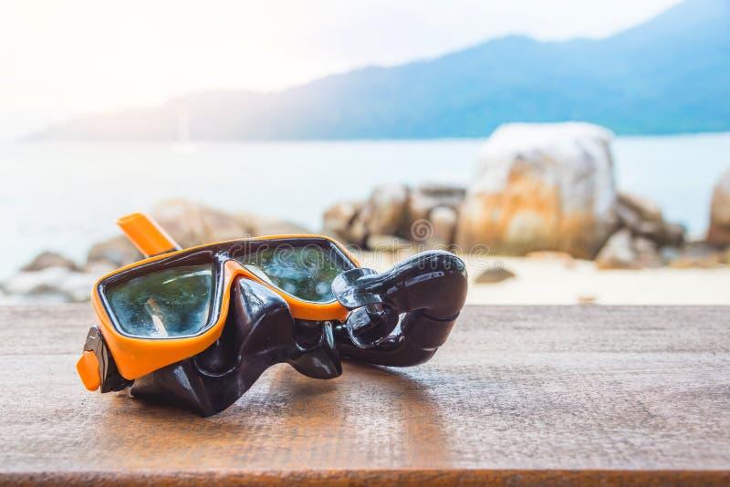 Snorkle sulla tavola di legno fotografia stock libera da diritti