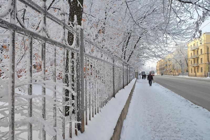Snow-covered bestrating stock fotografie