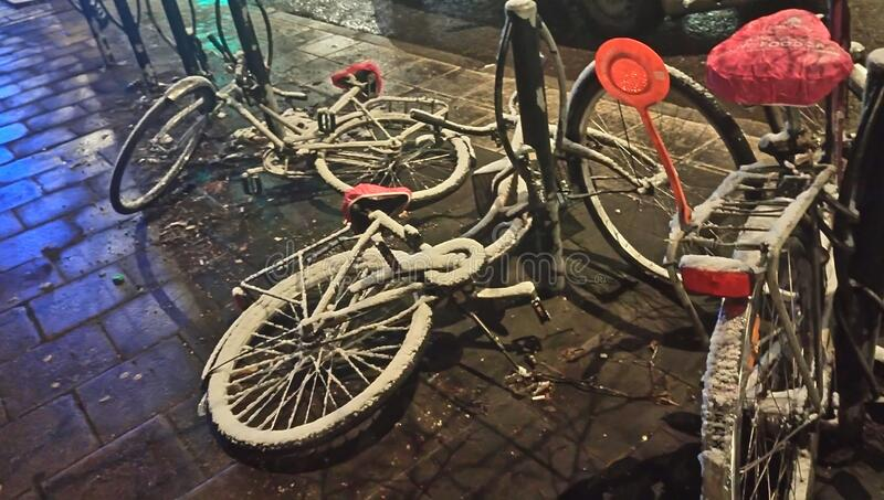 Snow Covered Bicycles On Streets Free Public Domain Cc0 Image