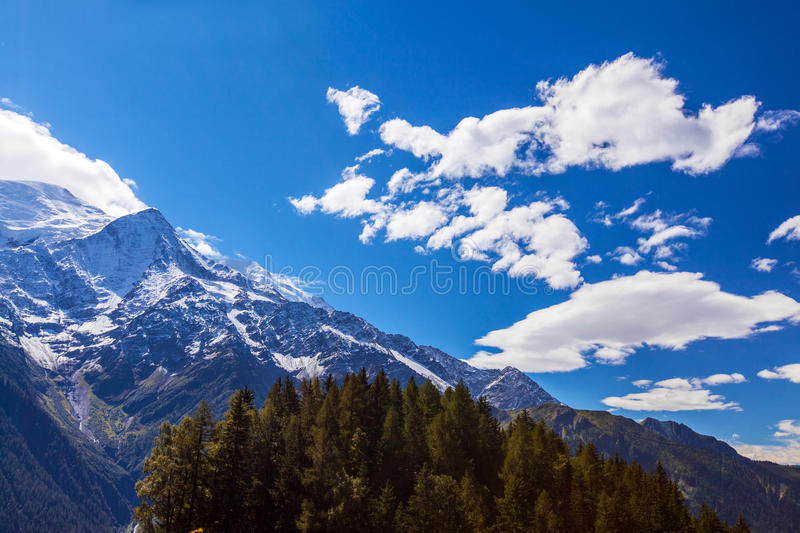 Download Snow Covered Mountains And Rocky Peaks In The Alps Stock Photo - Image: 26735912