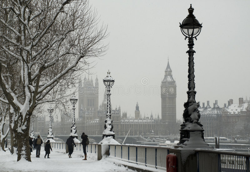 Snow London. February 2009. Heaviest snowfall in London in 18 years. Big Ben and Parliament