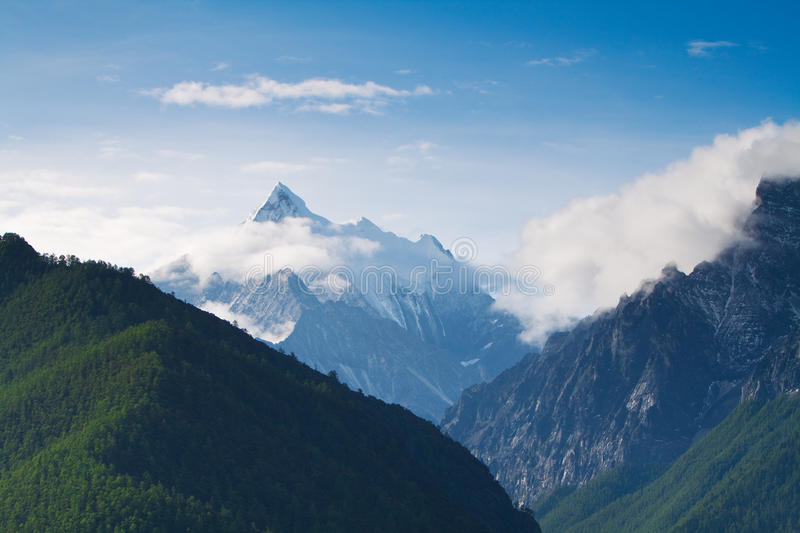 Download Snow mountain in morning stock image. Image of snow, sichuan - 15722427