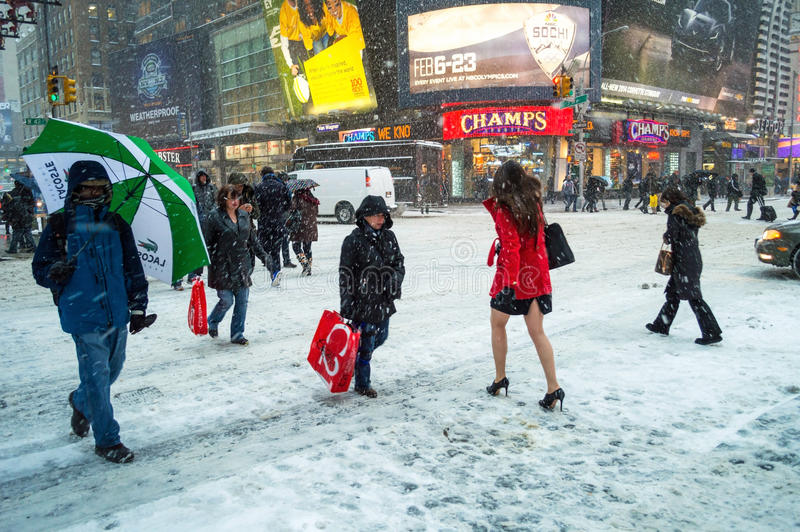 Download Snow On 42nd St Editorial Photo - Image: 37128571