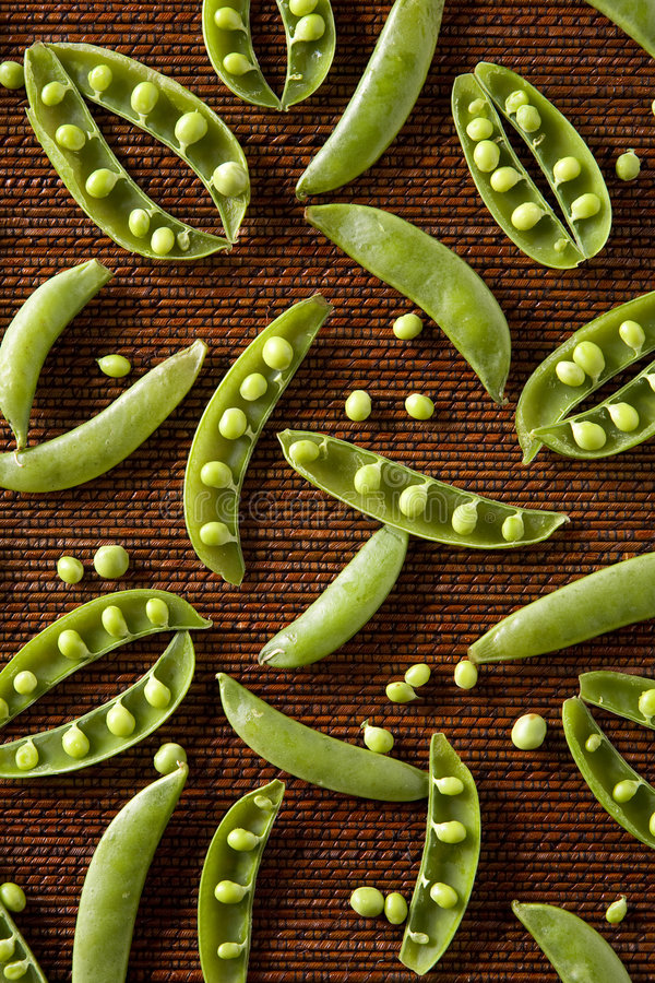 Download Snow Peas In Pattern Royalty Free Stock Photos - Image: 7002178