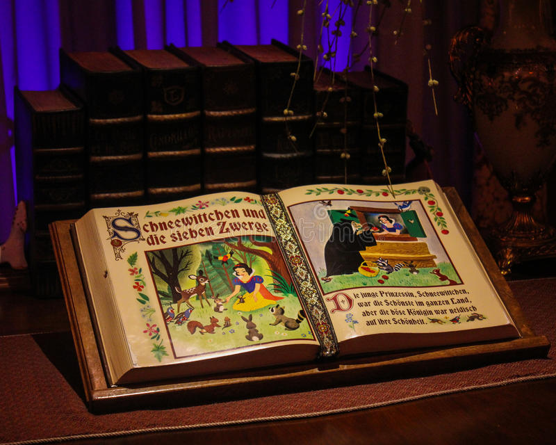 Snow White and the Seven Dwarfs story book stock photo