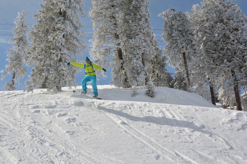 Snowboarder extremo foto de archivo