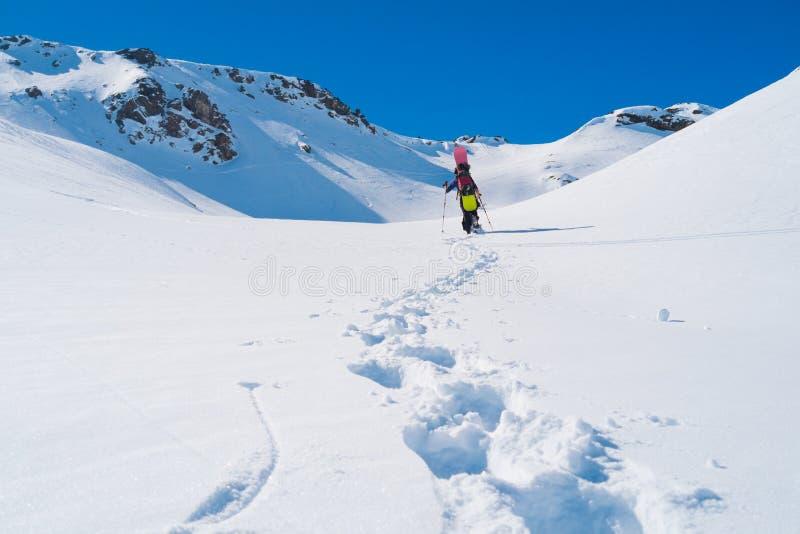 Snowboarder nell'inverno fotografia stock libera da diritti