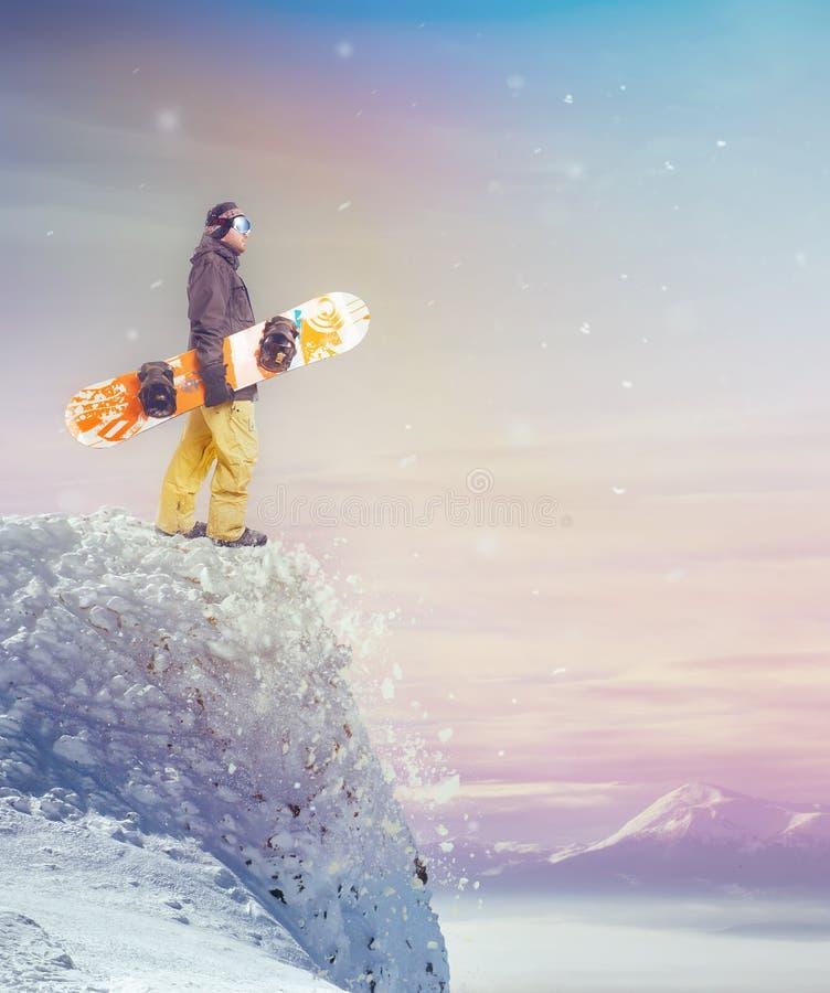Snowboarder pozycja fotografia stock