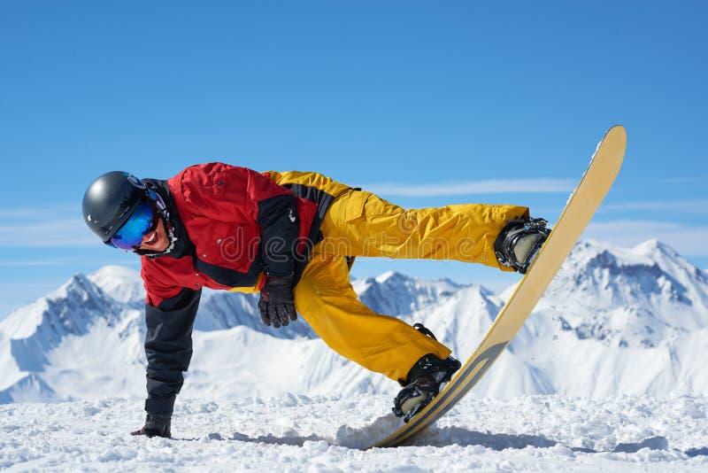 Snowboarder robi sztuczce fotografia royalty free