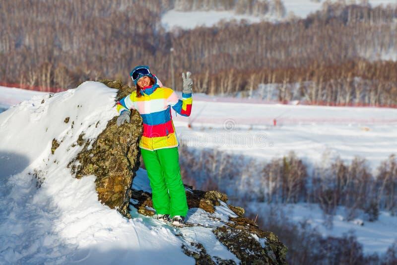Snowboardermeisje in skicentrum metallurg-Magnitogorsk stock fotografie