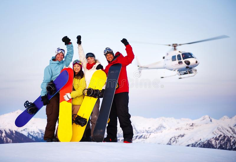 Snowboarders πάνω από το βουνό στοκ εικόνες με δικαίωμα ελεύθερης χρήσης