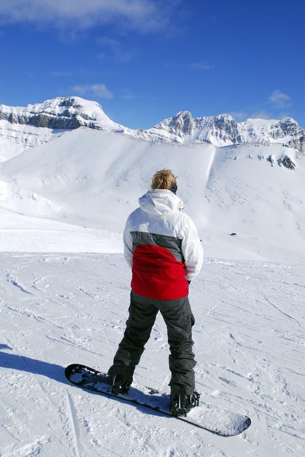 Download Snowboarding de montagnes photo stock. Image du ressource - 2125774