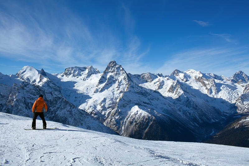 Snowboarding do esporte de inverno foto de stock
