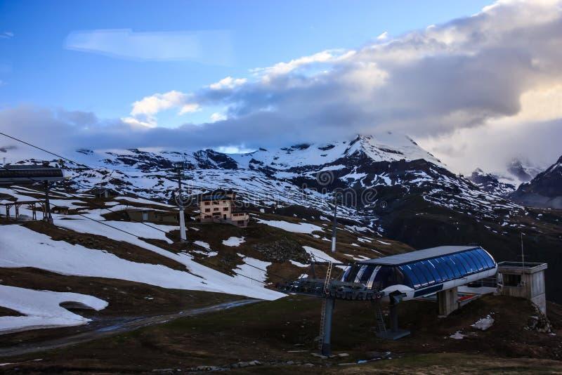 Snowcapped Górzysty krajobraz w pobliżu Gornergrat dworce i, Zermatt, Szwajcaria, Europa obrazy stock