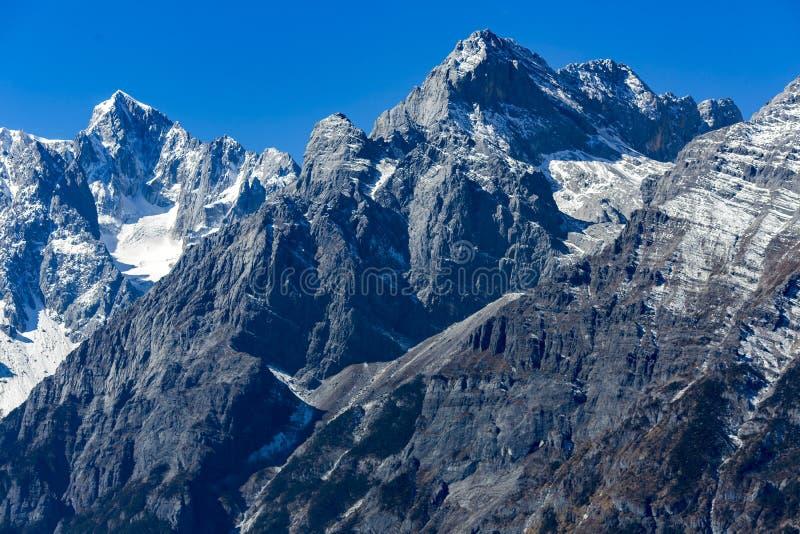 Snowcapped Jade Dragon Snow Mountains stockbilder