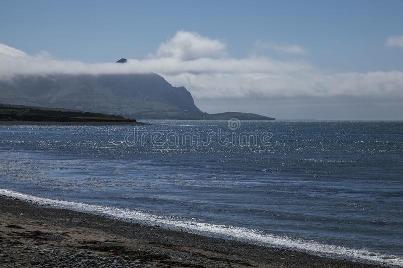 Snowdonia, Gales norte - o mar fotos de stock royalty free