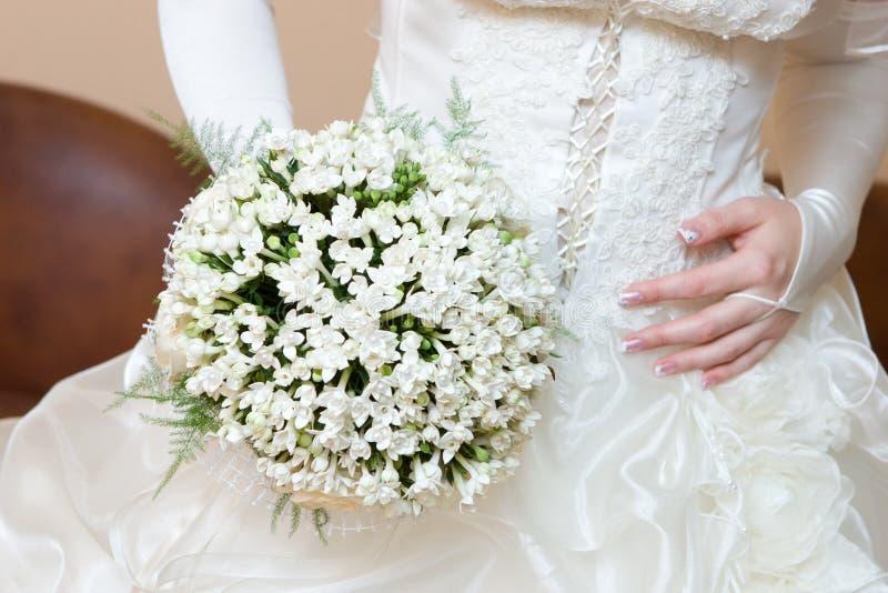 snowdrop för bukettklänningblomma royaltyfri foto