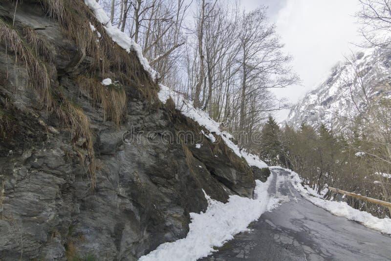 Snowed w mountainroad w Switserland zdjęcie royalty free