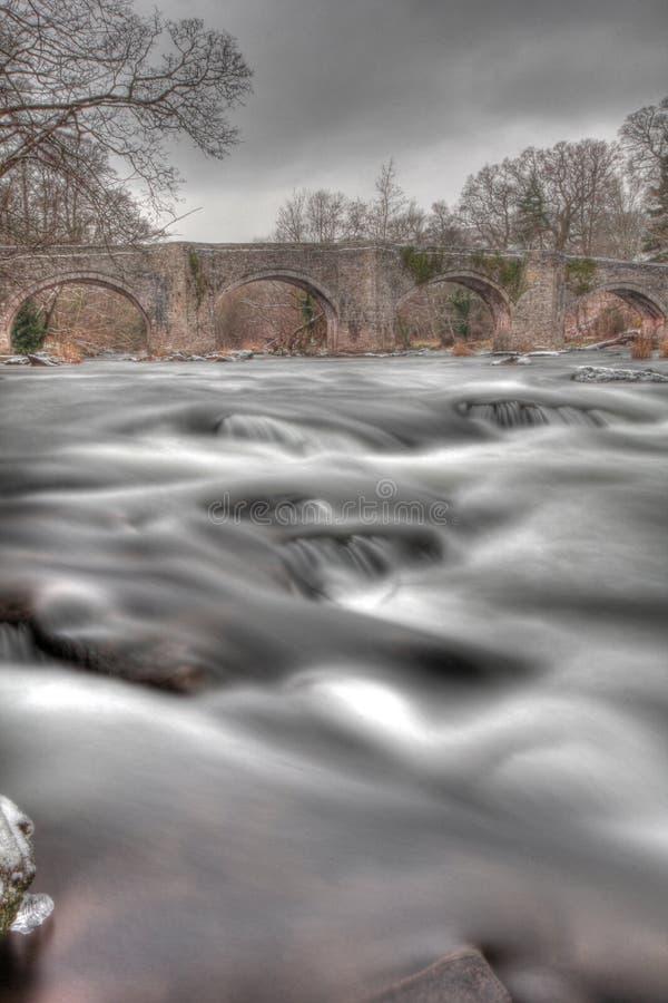 Download Snowey Brücke In Den Breacon Leuchtfeuern Stockfoto - Bild von brücke, felsen: 27729130