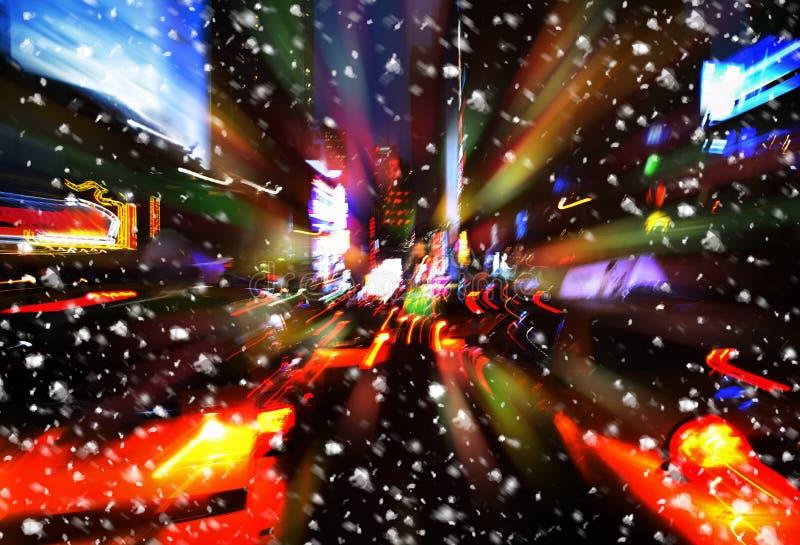 snowfall Luzes da iluminação e da noite de New York City imagens de stock
