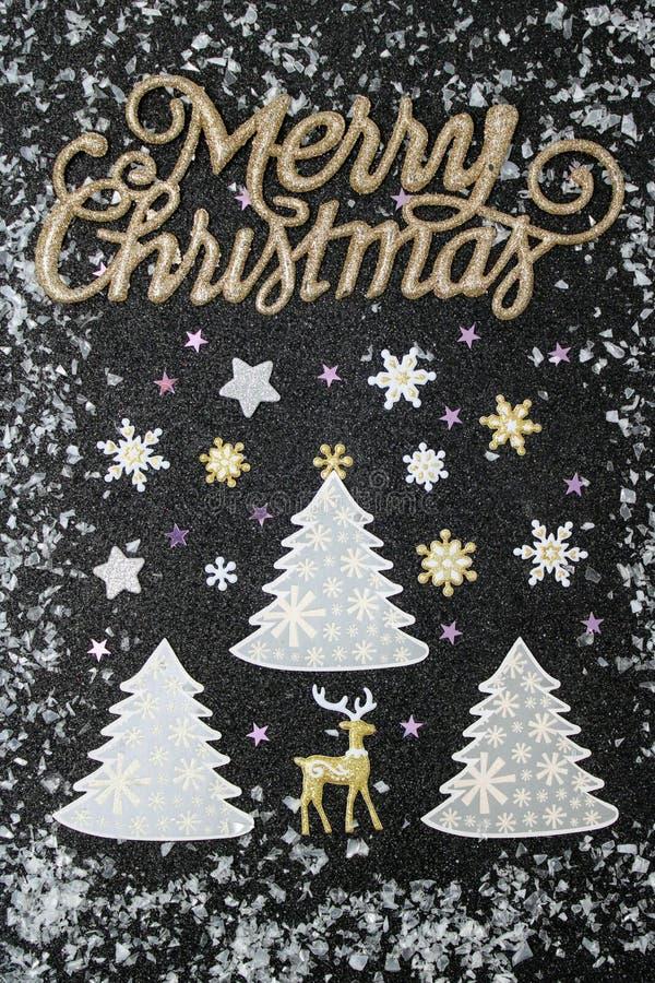 Snowflakes που αφορούν τα χριστουγεννιάτικα δέντρα στοκ φωτογραφία