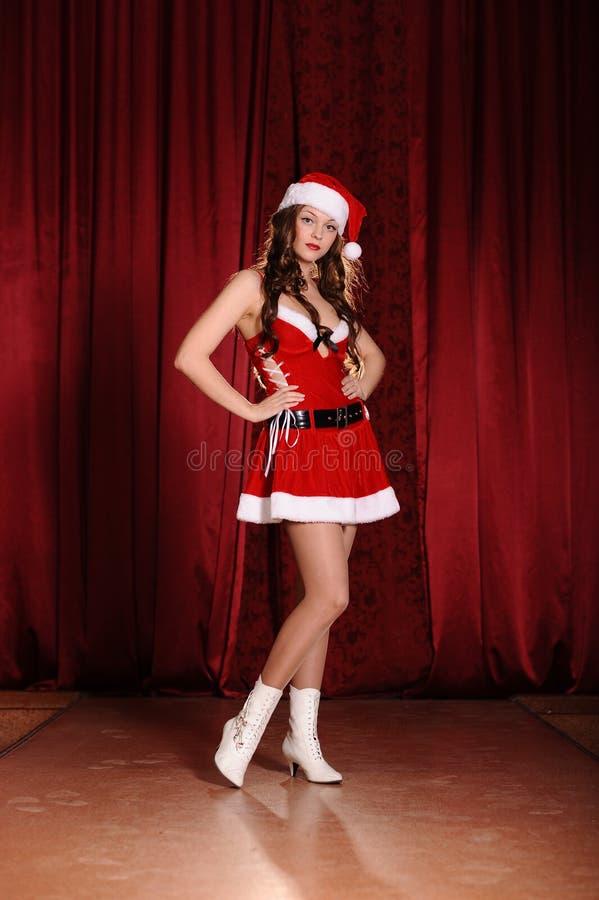 snowgirl礼服的少妇 免版税库存照片