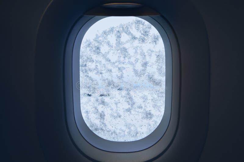 Snowing przy lotniskiem obrazy stock