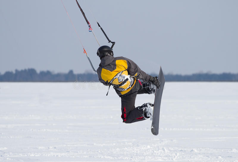 Snowkiting na zamarzniętym jeziorze zdjęcia royalty free