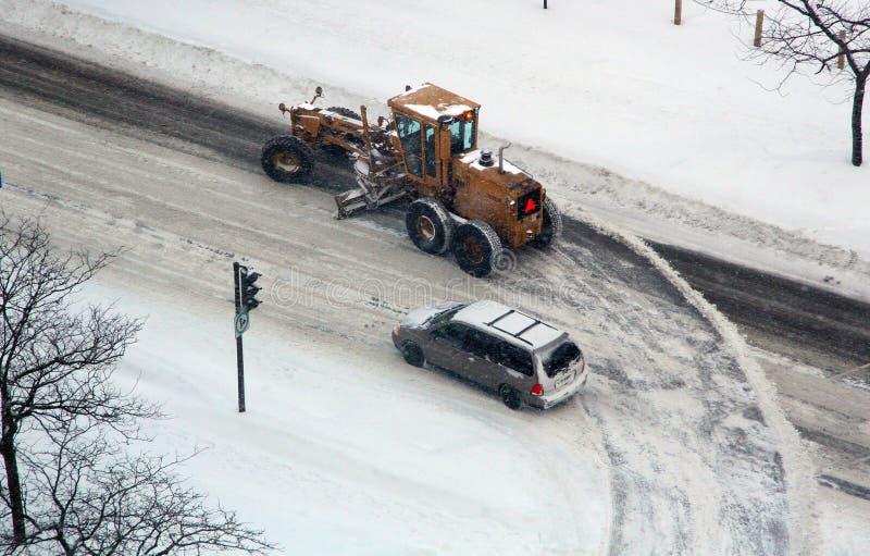 Snowmoval após a tempestade de neve do inverno fotos de stock royalty free