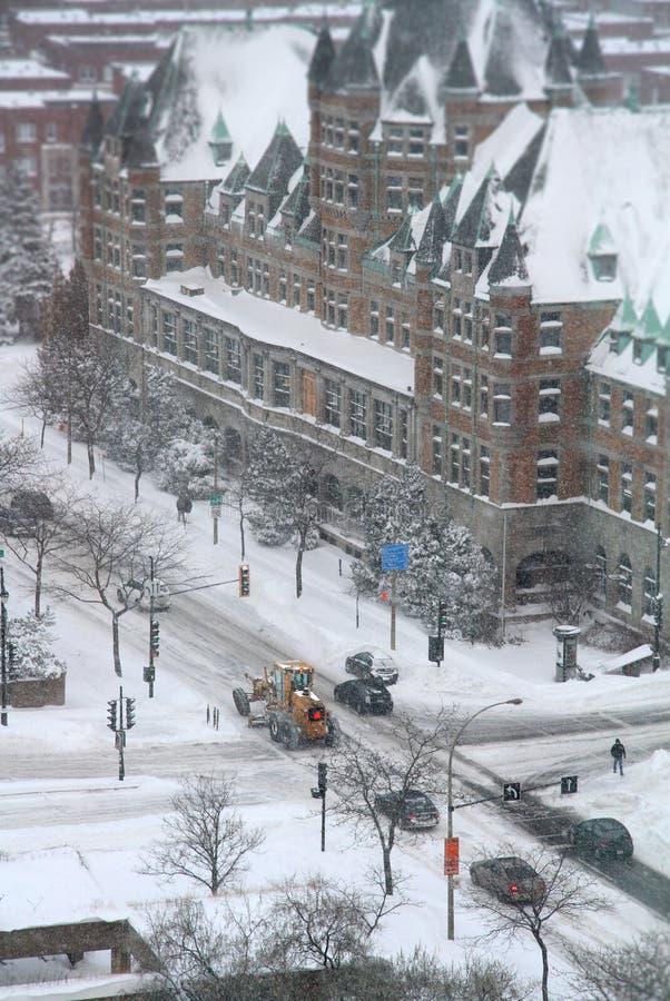 Snowmoval após a tempestade de neve do inverno imagem de stock royalty free