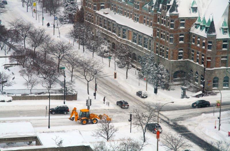 Snowmoval na de wintersneeuwstorm royalty-vrije stock fotografie