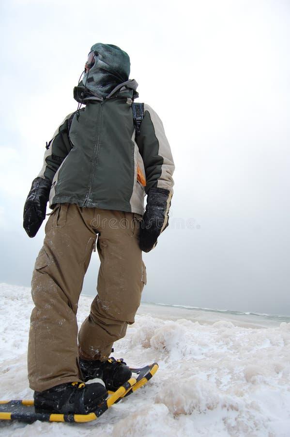 Snowshoe-Abenteurer stockfotos