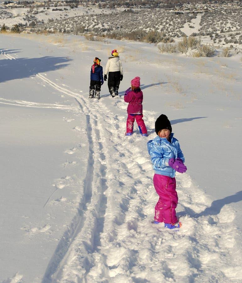 snowshoeing的冬天 免版税库存图片