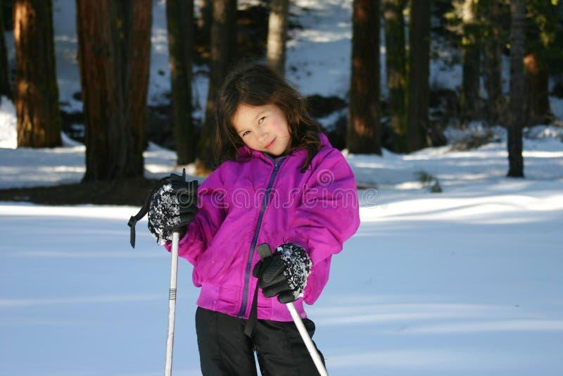 snowshoes девушки стоковое фото rf