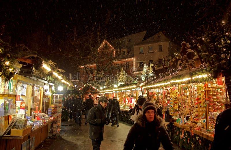 Snowstormen på Esslingen jul marknadsför arkivfoto