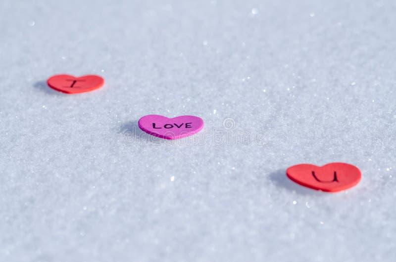 Snowy-Herzen stockfotografie