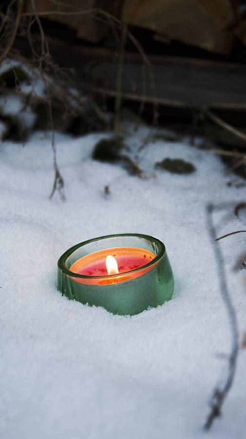 Snowy-Kerze lizenzfreies stockbild