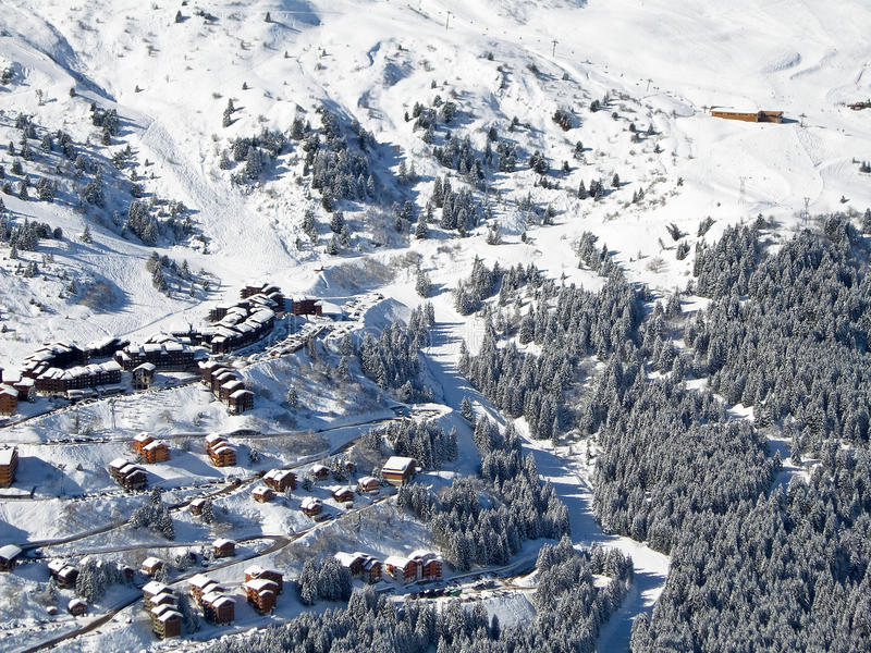 Snowy landscape with ski chalets, Meribel. The Alps, France royalty free stock photos