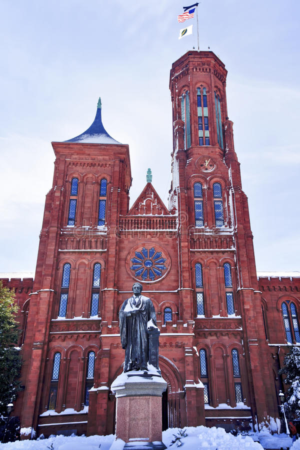 Snowy Smithson Statue Smithsonian Castle DC royalty free stock images