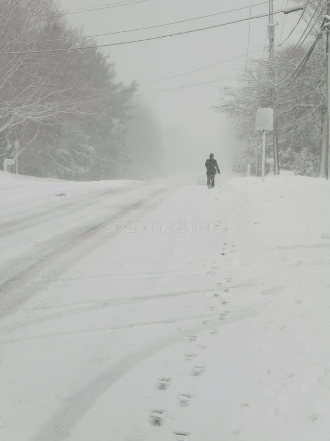 Snowy-Straße stockbilder